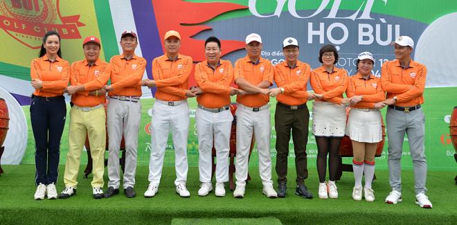 """Hoa hậu Jennifer Phạm cùng dàn chân dài mê chơi golf """"không hẹn mà gặp"""" - 1"""