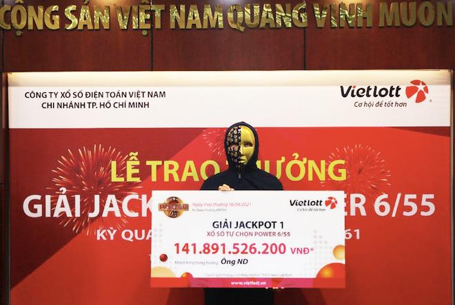 """TP.HCM: Tự chọn số Vietlott, một người """"ẵm"""" gần 142 tỉ - 1"""