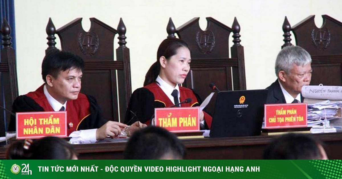 Nữ thẩm phán xinh đẹp kể hậu trường xử 2 cựu tướng công an