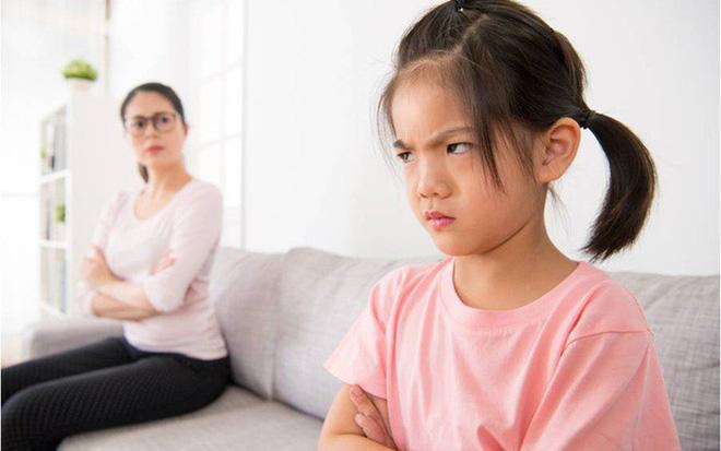 Bộc bạch của người con tự ghét bỏ chính mình chỉ vì lời mắng nhiếc của cha mẹ - 1