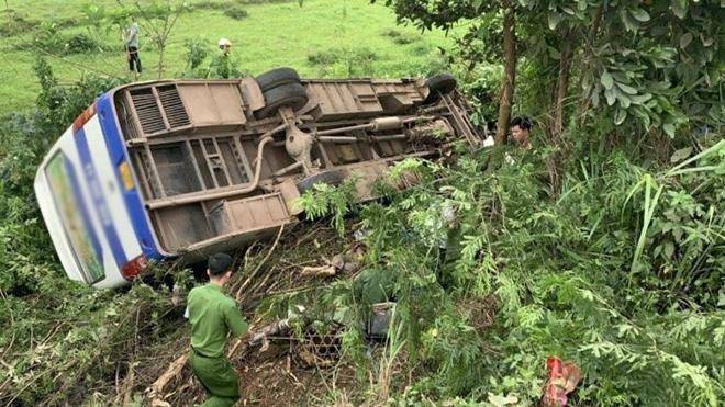 Một người chết, 31 người bị thương sau tai nạn kinh hoàng giữa xe khách và xe máy - 1