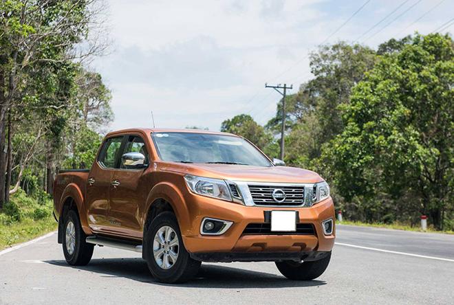 Nissan Navara đang được giảm 50% lệ phí trước bạ - 1