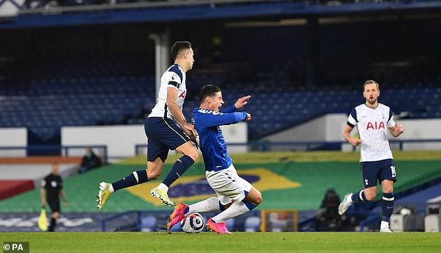 """Mourinho câm nín vụ SAO Tottenham mắc bẫy """"câu 11m"""" của James Rodriguez - 1"""