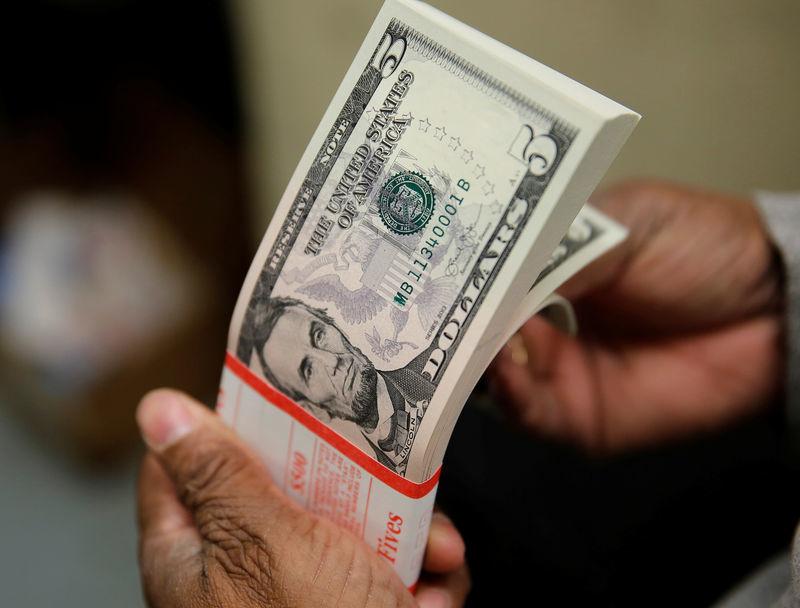 Tỷ giá USD hôm nay 19/4: Tăng mạnh trước thông tin tích cực về kinh tế - 1