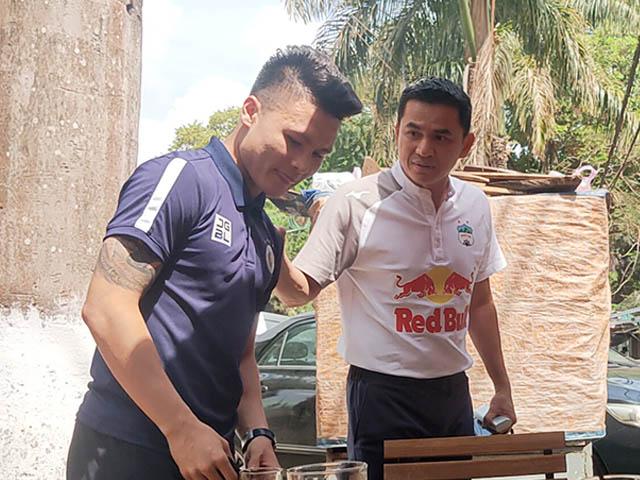 Bóng đá - HLV Kiatisak bất ngờ động viên Quang Hải trước đại chiến HAGL - Hà Nội FC