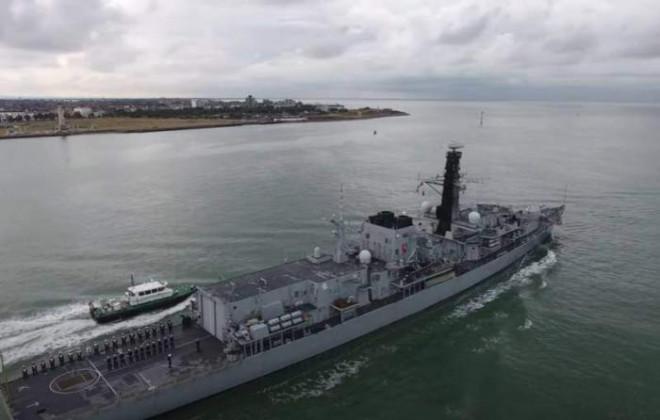 Anh chia nhóm tấn công tàu sân bay làm hai để có chiến hạm đưa đến Biển Đen - 1