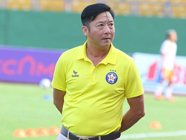 HLV Lê Huỳnh Đức chê tiền đạo, tố trọng tài sau trận thua Bình Dương