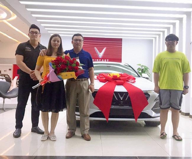 Nóng tuần qua: Ôtô giảm giá mạnh, hơn 200 triệu cũng có thể mua xe mới - 1