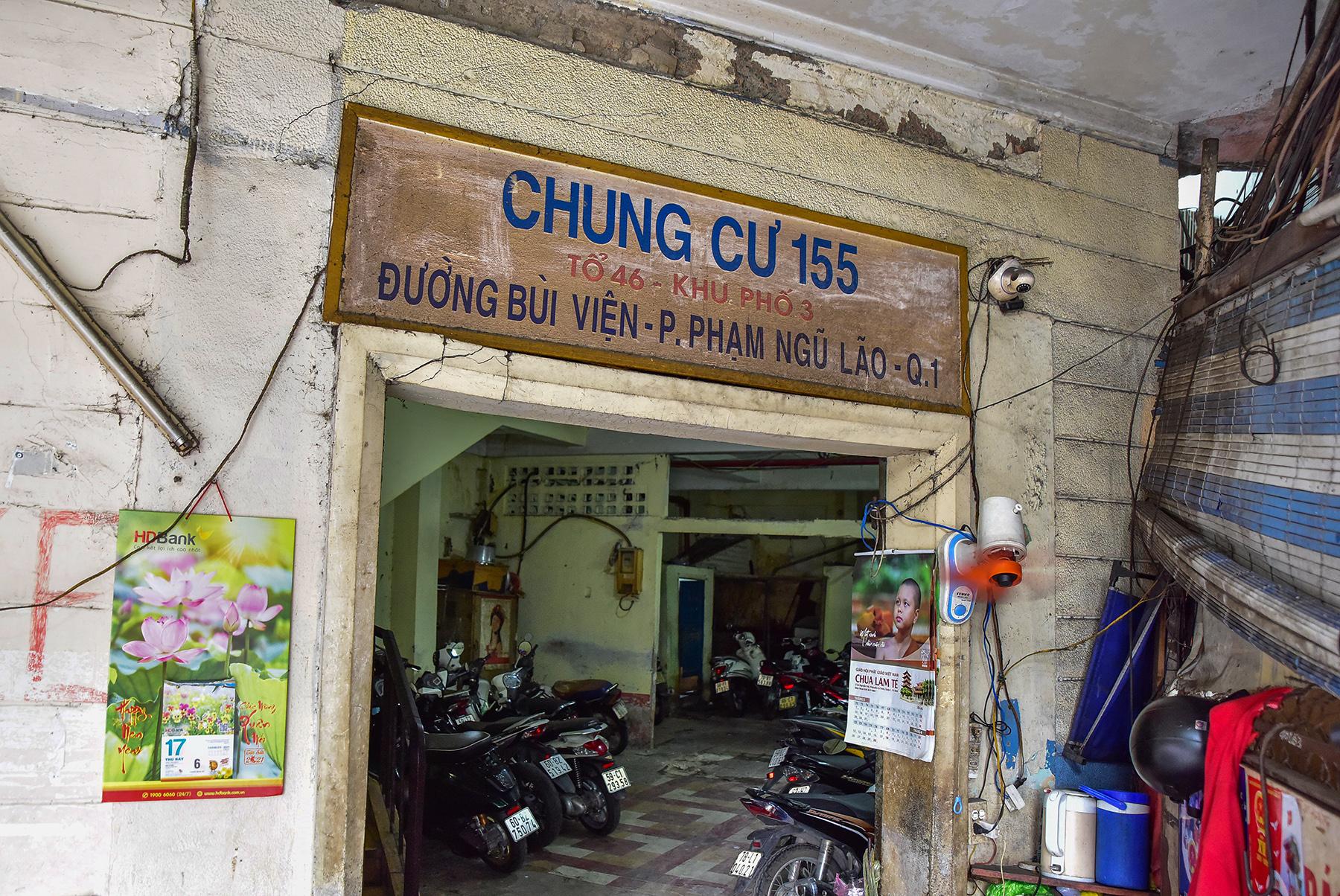 Ớn lạnh cảnh rác ngập ngụa trong các căn hộ chung cư ở phố Tây Sài Gòn - 18