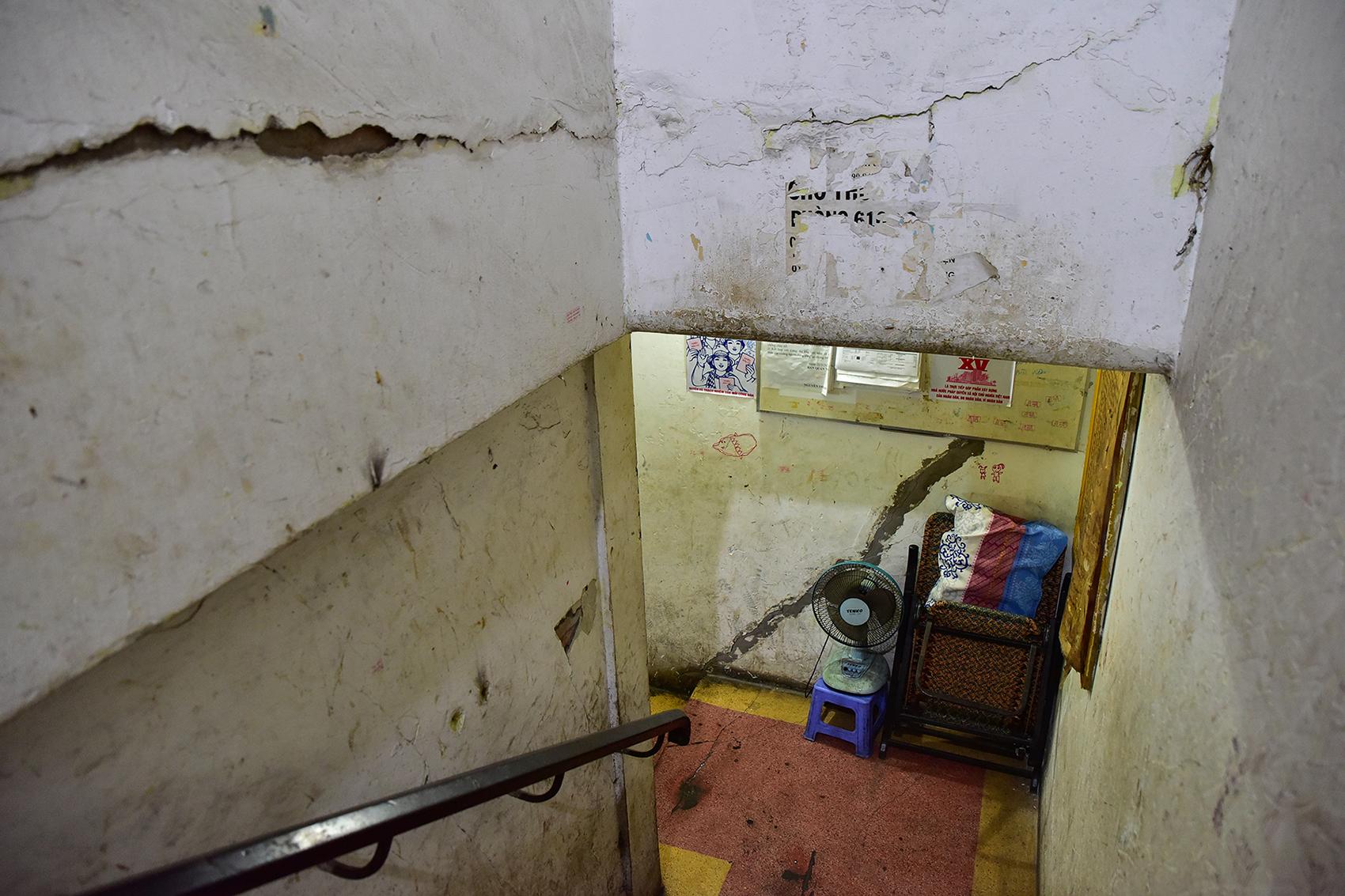 Ớn lạnh cảnh rác ngập ngụa trong các căn hộ chung cư ở phố Tây Sài Gòn - 5
