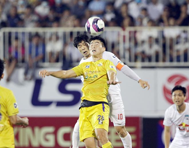 HAGL hạ đẹp Hà Nội FC, thầy trò HLV Kiatisak tưng bừng mở hội ở Pleiku - 1