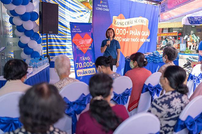 FPT Long Châu trao tặng miễn phí 210.000 ngày thuốc và 140 tấn gạo trên toàn quốc - 1