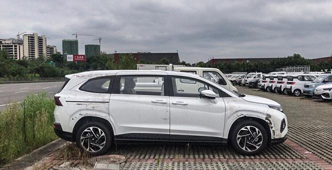 Xe mới Hyundai Custo lộ diện trước ngày ra mắt - 6