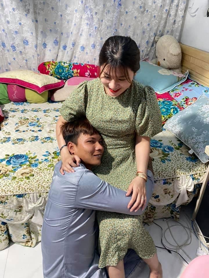 YouTuber phụ hồ nghèo nhất VN thông báo điều bất ngờ sau nửa tháng làm đám cưới - 1