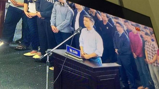 """Tin tức 24h qua:Đềnghị hủy quyết định giảm án tha tù đối với """"trùm"""" cờ bạc Phan Sào Nam - 1"""