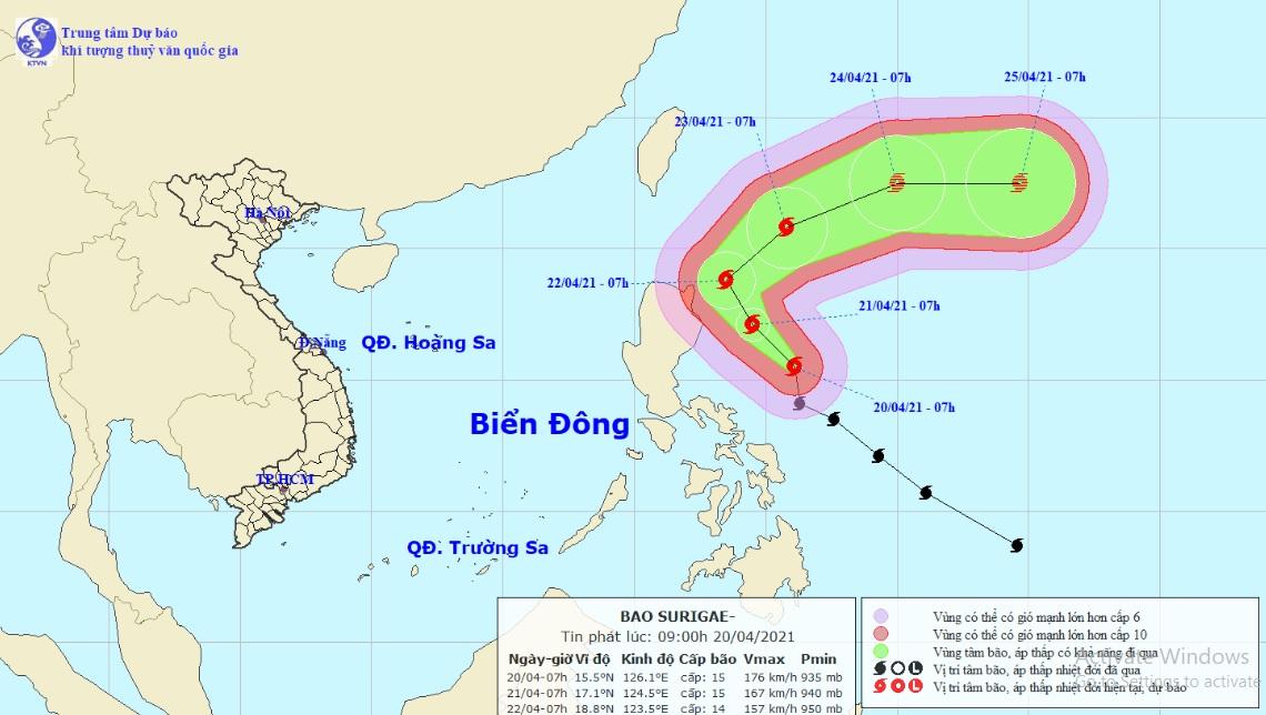 Siêu bão Surigae thay đổi cường độ, sức gió có thể đánh chìm tàu trọng tải lớn - 1