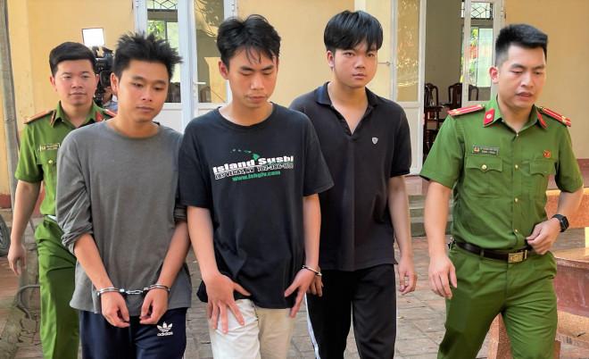 3 sinh viên đại học chiếm đoạt hàng tỉ đồng từ việc lừa bán sim số đẹp - 1