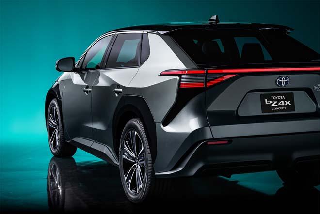Lộ diện concept xe điện Toyota bZ4X - 5