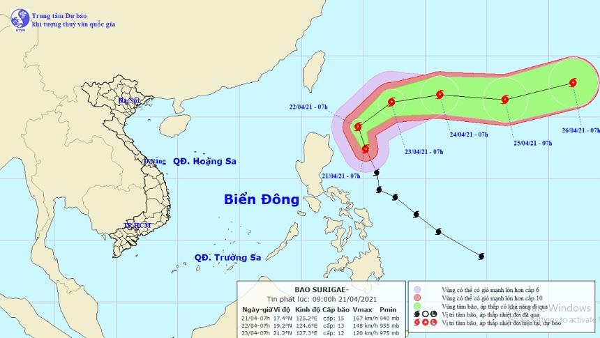 Siêu bão Surigae giật trên cấp 17 sắp đổi hướng, gây sóng cao ở Biển Đông - 1