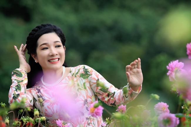 Trên sân khấu,Thanh Thanh Hiềnlà một nữ nghệ sĩ đa tài, có thể vừa hát cải lương, vừa diễn hài.