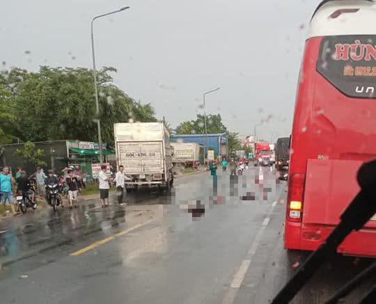 Hai vợ chồng từ Bình Thuận sang Đồng Nai làm thuê bị xe tải tông chết thương tâm - 1