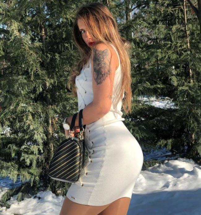 """Andreea Prisacariu, nữ tay vợt tennis 21 tuổi người Romani, sở hữu nét đẹp """"vạn người mê""""."""