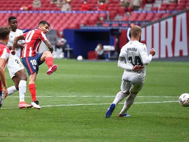 """Video Atletico Madrid - Huesca: Hai """"cú đấm"""" cuối hiệp, giữ vững ngôi đầu"""