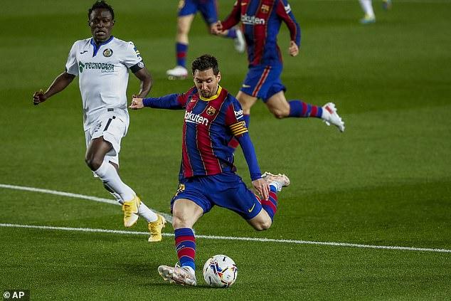 Video Barcelona - Getafe: Messi thăng hoa, đại tiệc 7 bàn thắng - 1