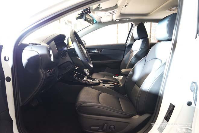 Ảnh thực tế Kia Cerato 2021, sedan hạng C có giá quy đổi từ 359 triệu đồng - 10
