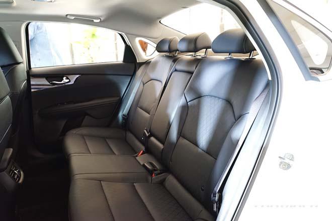 Ảnh thực tế Kia Cerato 2021, sedan hạng C có giá quy đổi từ 359 triệu đồng - 12