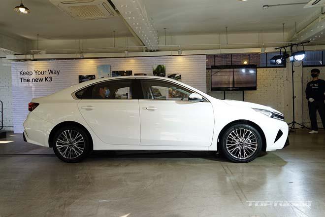 Ảnh thực tế Kia Cerato 2021, sedan hạng C có giá quy đổi từ 359 triệu đồng - 6
