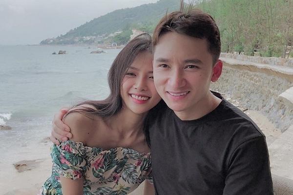 Vợ 9X của sao nam Việt: Kém chồng chục tuổi, tài sản và gia thế cực khủng - 1
