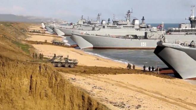 Video: Cuộc tập trận chớp nhoáng, khủng khiếp của 1 vạn quân Nga ở Crimea - 1