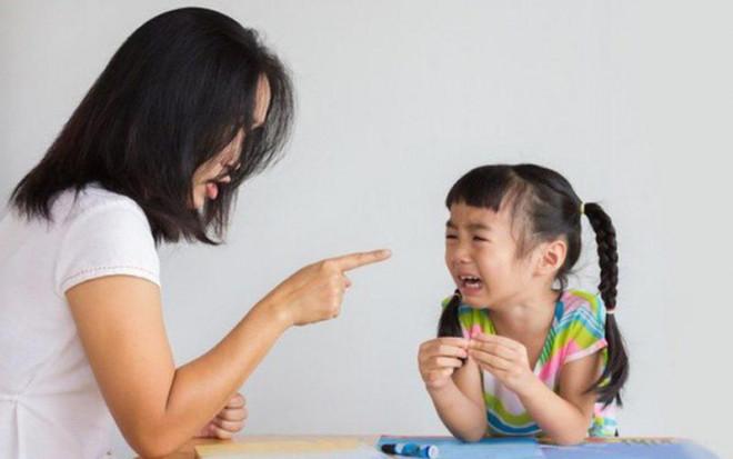 Những lời cha mẹ khiển trách vô tình 'giết chết' sự tự tin của con mình - 1
