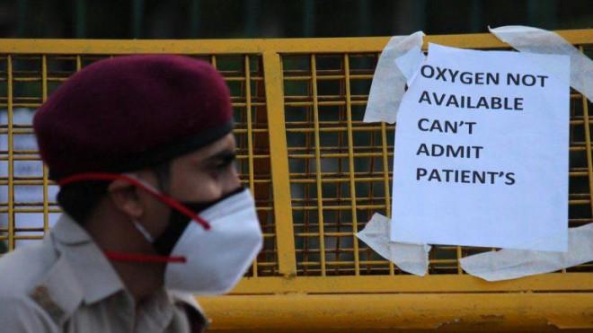 Báo phương Tây: Giới siêu giàu trốn chạy khỏi Ấn Độ giữa thảm kịch COVID-19 - 1