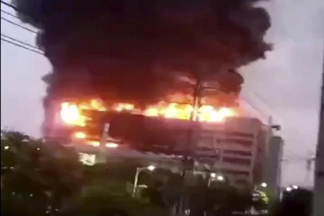 Nhà cung cấp của Apple tại Trung Quốc cháy lớn, 8 người thiệt mạng - 1