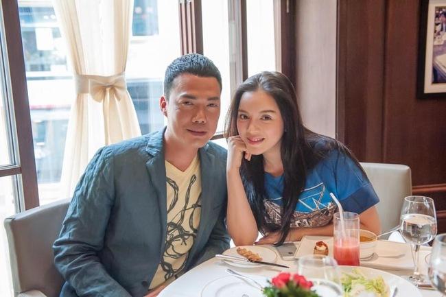 Mới đây,trên trang FaceBook cá nhân, Lý Nhã Kỳ đã chia sẻ loạt hình ảnh thân mậtvớinam tài tử Hồng Kông Tạ Thiên Hoa.