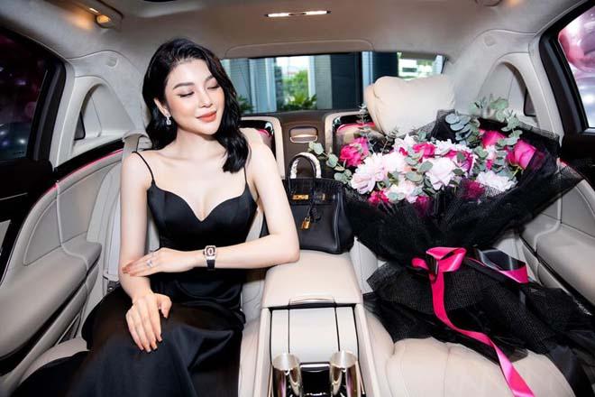 """""""Ngọc nữ Bolero"""" Lily Chen tậu Mercedes-Maybach S450 gần 8 tỷ đồng - 4"""