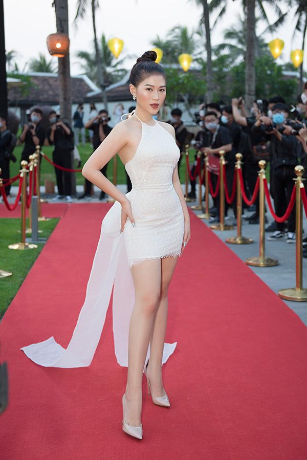 Ngọc Thanh Tâm đẹp tựa thiên thần trên thảm đỏ liveshow Dương Triệu Vũ - 1