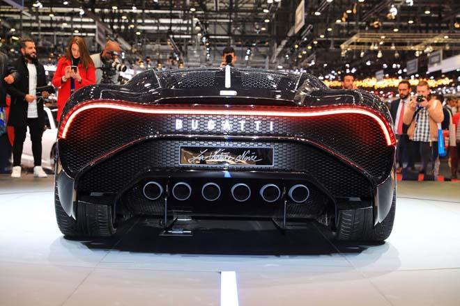 Siêu xe đắt đỏ nhất thế giới lần đầu tiên xuất hiện lăn bánh trên đường - 7