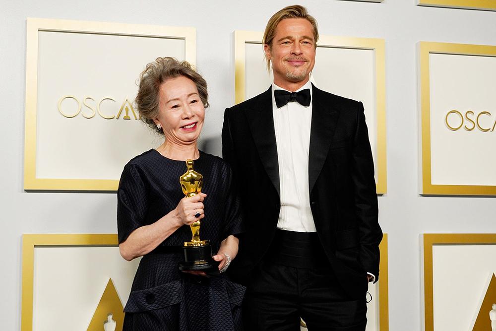"""Bị hỏi """"Brad Pitt có mùi thế nào"""", câu trả lời của sao nữ này """"gây bão"""" mạng xã hội - 1"""