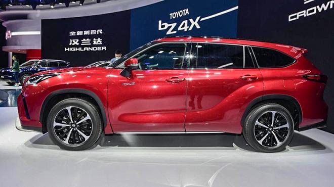 Cận cảnh biến thể SUV của dòng xe Toyota Crown tại Trung Quốc - 4