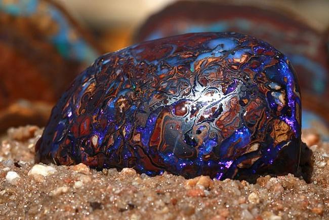 Lượng đá opal màIsaac và Sofia Andreou tìm thấy nặng 150kg.