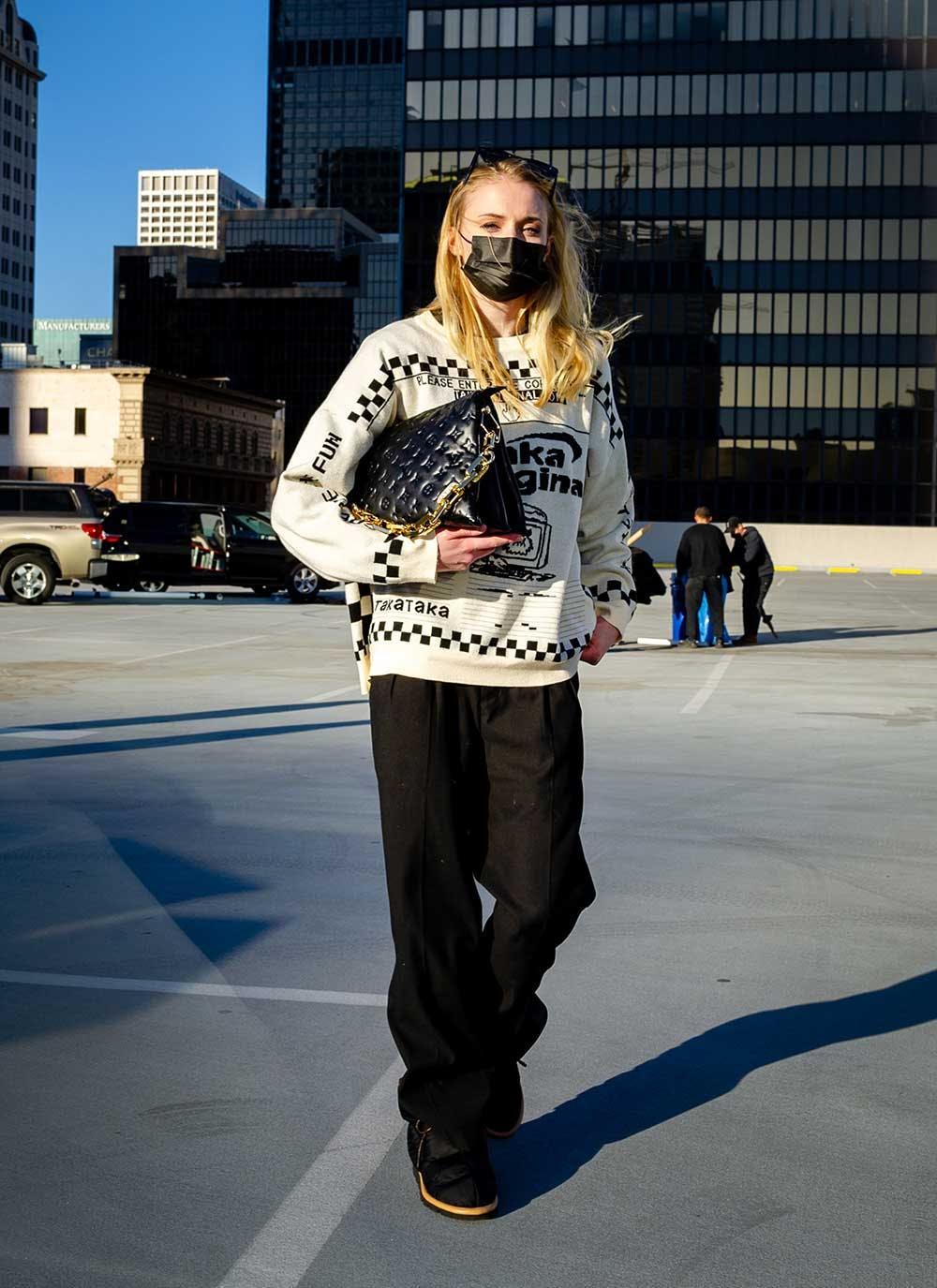 Chiếc túi mới Coussin đang gây bão trong giới mộ điệu của Louis Vuitton - 2