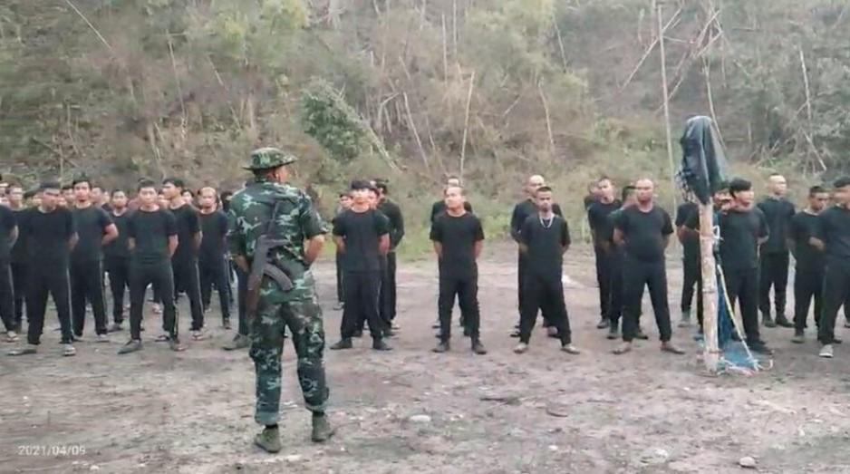 Giao tranh ở biên giới Myanmar-Thái Lan, lực lượng thiểu số đốt phá tiền đồn quân đội - 1