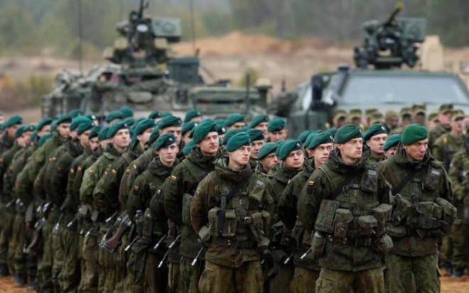 """Liên minh NATO ở châu Âu sẽ chỉ như """"người lùn"""" trước sức mạnh của Nga? - 1"""