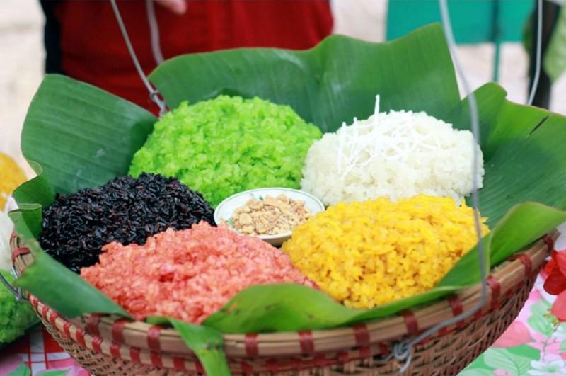 Đến Lào Cai nhất định phải thưởng thức xôi 7 màu rực rỡ, tạo màu hoàn toàn tự nhiên - 1