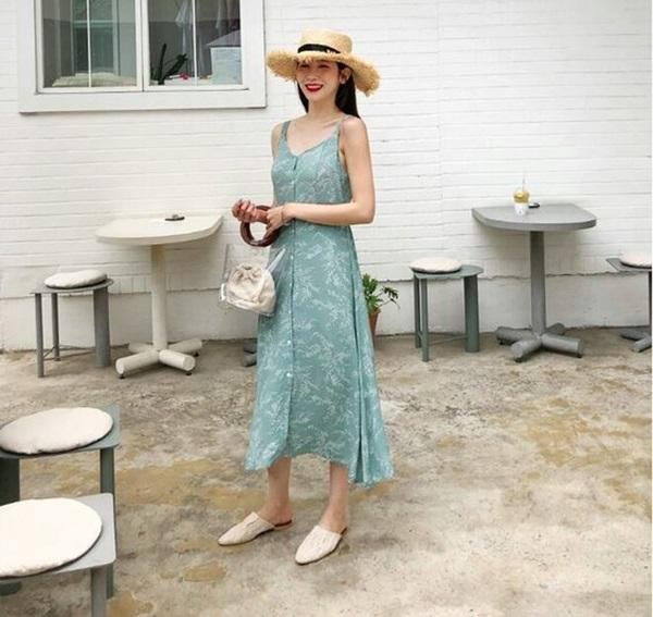 Đi biển mà thiếu 5 kiểu váy maxi này thì thật đáng tiếc - 1