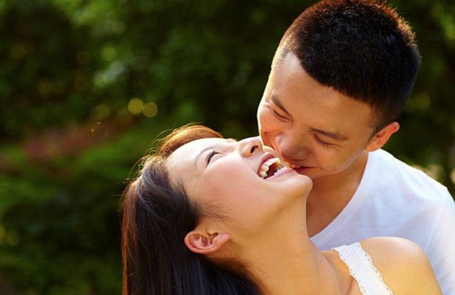 Vợ khôn ngoan đưa Luật Hấp dẫn vào hôn nhân để gia đình bình an, thịnh vượng - 1
