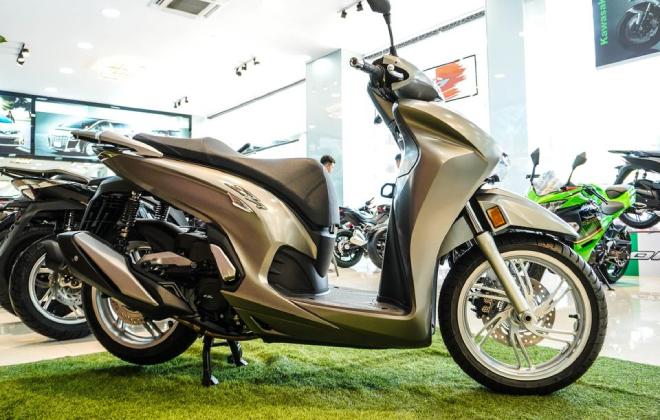 Vua tay ga Honda SH350i đầu tiên về Việt Nam, giá chát 328 triệu đồng - 1